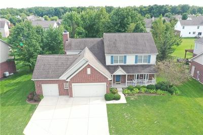 Zionsville Single Family Home For Sale: 8865 Pin Oak Drive