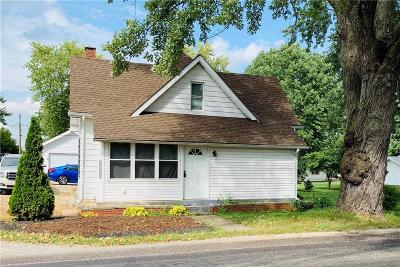 Lapel IN Single Family Home For Auction: $85,000