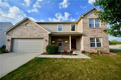Fishers Single Family Home For Sale: 12112 Raiders Boulevard