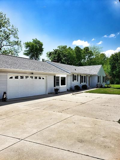 Brookville Single Family Home For Sale: 8127 Maple Grove Road