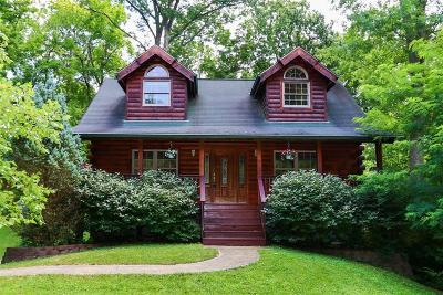 Hidden Valley Single Family Home For Sale: 1613 Greenlawn Way