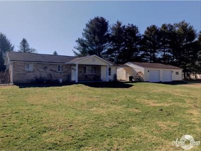 Brookville Single Family Home For Sale: 5132 Sunshine Acres Dr