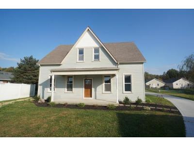 Batesville Single Family Home For Sale: 111 Shane Ct