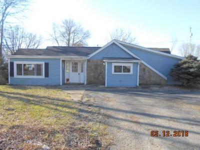 Lawrenceburg, Aurora, Bright, Brookville, West Harrison, Milan, Moores Hill, Sunman, Dillsboro Single Family Home For Sale: 319 Ellis St