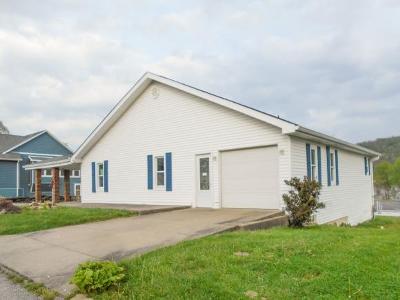 Rising Sun Single Family Home For Sale: 517 S Poplar St