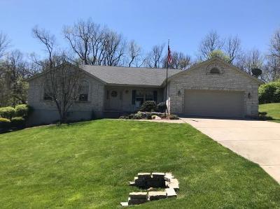 Lawrenceburg Single Family Home For Sale: 511 Elk Ridge Ln