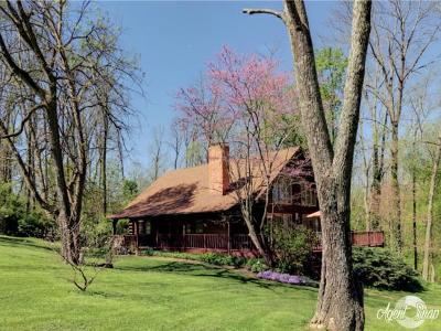 Brookville Single Family Home For Sale: 7000 Holland Rd