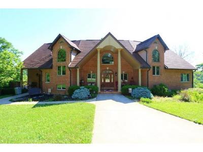 Aurora Single Family Home For Sale: 10187 Cherokee Ln