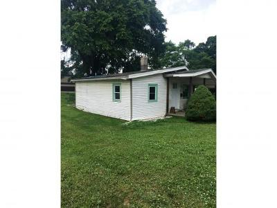 Lawrenceburg IN Single Family Home For Sale: $38,900
