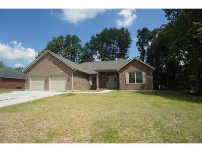 Batesville Single Family Home For Sale: 334 Woodside Ct