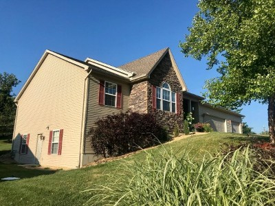Lawrenceburg Single Family Home For Sale: 136 Crossbow Tr
