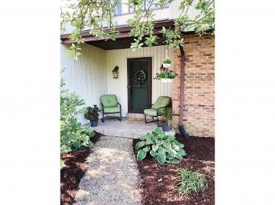 Lawrenceburg Single Family Home For Sale: 1121 Hanby Cir