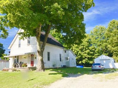 Aurora Single Family Home For Sale: 105 Hanover Ave