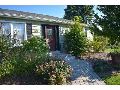 Lawrenceburg Single Family Home For Sale: 838 Bode Dr