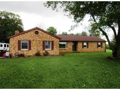 Aurora Single Family Home For Sale: 9654 Short Ridge Rd