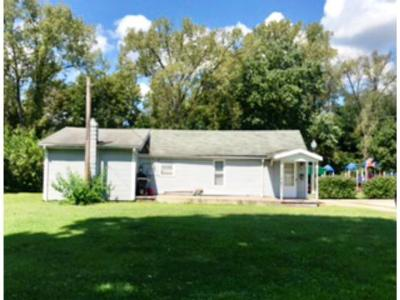 Lawrenceburg Single Family Home For Sale: 621 George St