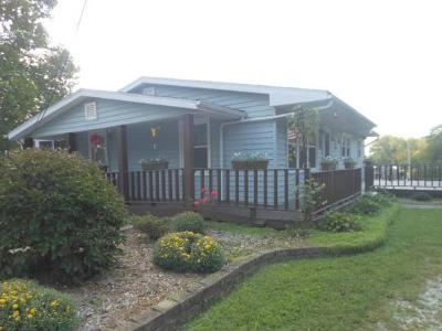 Vevay Single Family Home For Sale: 109 E Turnpike St