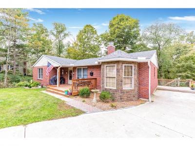 Lawrenceburg Single Family Home For Sale: 21171 Berne Ct