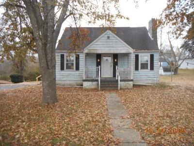 Dearborn County Single Family Home For Sale: 317 Woodlawn Ave