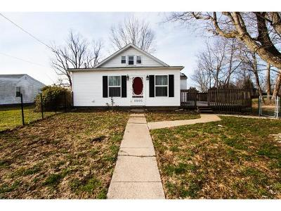 Aurora Single Family Home For Sale: 12895 Probst Rd