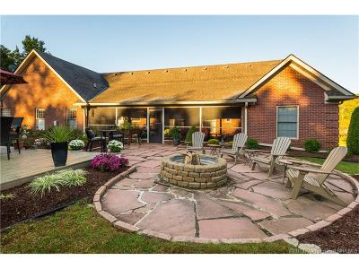 Harrison County Single Family Home For Sale: 597 Country Club Drive