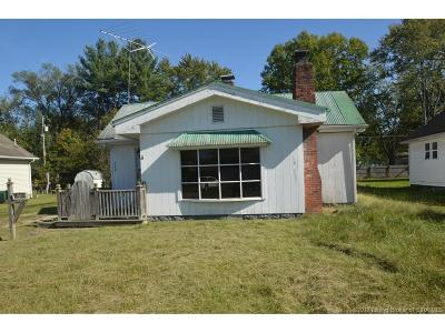 Scott County Single Family Home For Sale: 249 S 2nd
