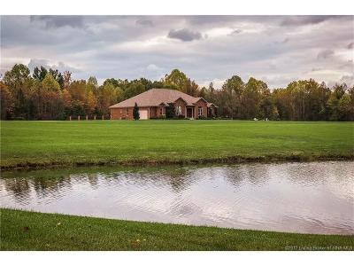 Scott County Single Family Home For Sale: 1501 E Marshfield Road