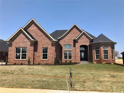 Floyd County Single Family Home For Sale: 3006 Saratoga Lane