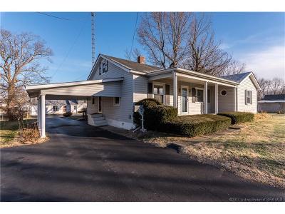 Scott County Single Family Home For Sale: 766 Cedar Street