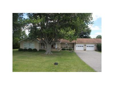 Washington County Single Family Home For Sale: 2235 N State Road 135