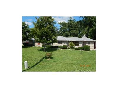 Washington County Single Family Home For Sale: 1402 S State 135 Road