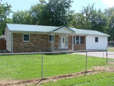 Scott County Single Family Home For Sale: 1237 W Dehart Drive