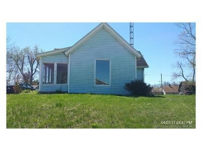 Jackson County Single Family Home For Sale: 814 W Cross
