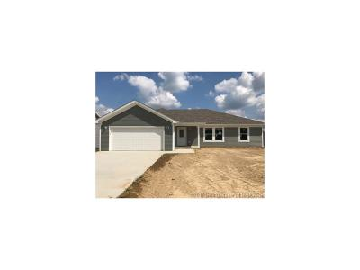 Scott County Single Family Home For Sale: 1216 Lunar Street
