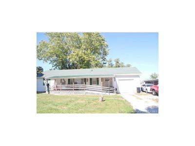 Washington County Single Family Home For Sale: 502 E Grandview Drive