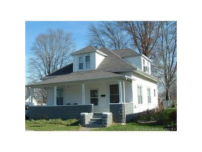 Scott County Single Family Home For Sale: 233 N Second Street