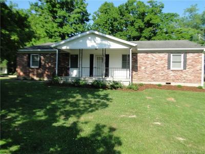 Henryville Single Family Home For Sale: 20017 Highway 31 N