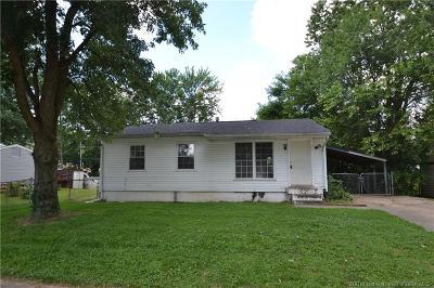 Jeffersonville Single Family Home For Sale: 705 Dellinger Drive