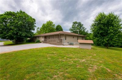 Scott County Single Family Home For Sale: 1006 S Getty Road