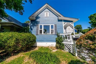 New Albany Single Family Home For Sale: 108 E 15th Street
