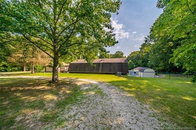 Henryville Single Family Home For Sale: 642 Dieterlen Road