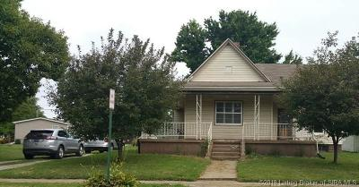 Jackson County Single Family Home For Sale: 304 E Howard Street