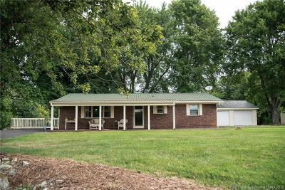 Scottsburg IN Single Family Home For Sale: $179,900