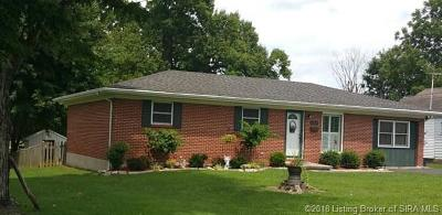 Scottsburg IN Single Family Home For Sale: $119,500