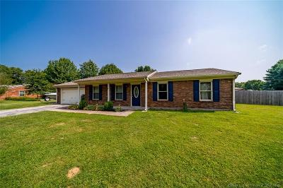 Jeffersonville Single Family Home For Sale: 3312 Utica Sellersburg Road