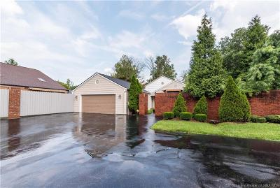 Jeffersonville Single Family Home For Sale: 109 Courtyard
