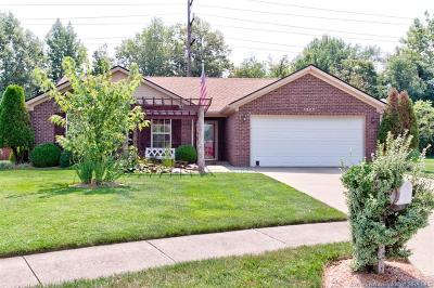 Jeffersonville Single Family Home For Sale: 3202 Sun Dew Drive
