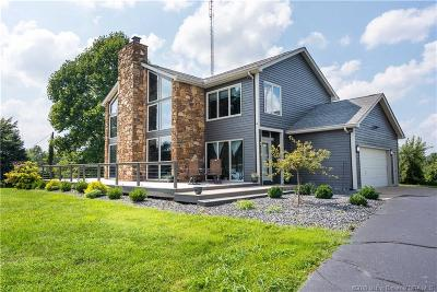 Floyds Knobs Single Family Home For Sale: 7421 N Skyline Drive