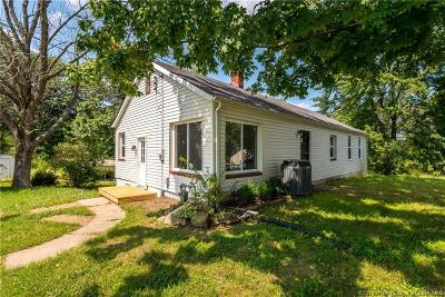 Henryville Single Family Home For Sale: 205 Henretty Road