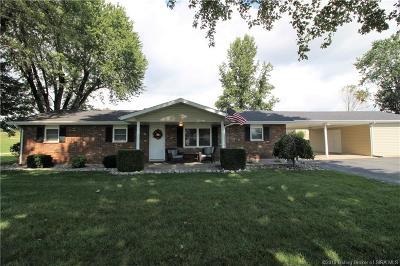 Henryville Single Family Home For Sale: 3719 Caney Road